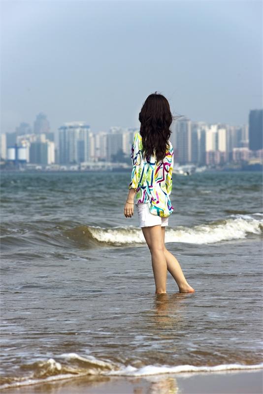 【雀巢】大海不是我们的(组诗)